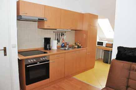 apartment weimar wohnung im haus weimar erfurt in klettbach unterkunft zimmer. Black Bedroom Furniture Sets. Home Design Ideas